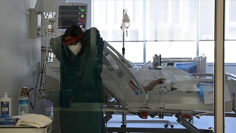 Türkiye'de 4 bin 883 kişinin Kovid-19 testi pozitif çıktı, 52 kişi hayatını kaybetti