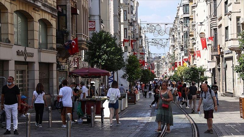 Kovid-19 tedbirleri kapsamında Türkiye genelinde uygulanan sokağa çıkma kısıtlaması sona erdi