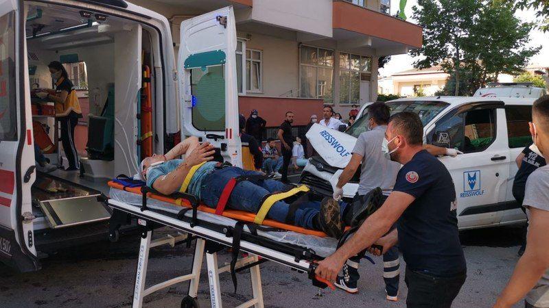 Panelvan ile servis minibüsü çarpıştı: 10 yaralı