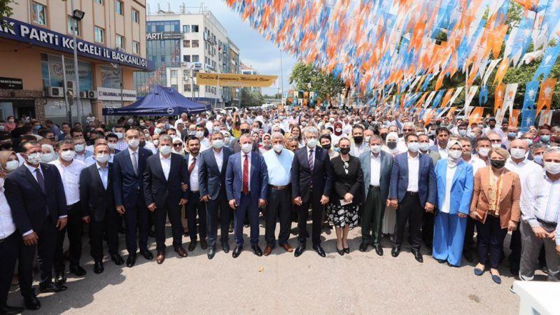 AK Parti Kocaeli bayramlaştı