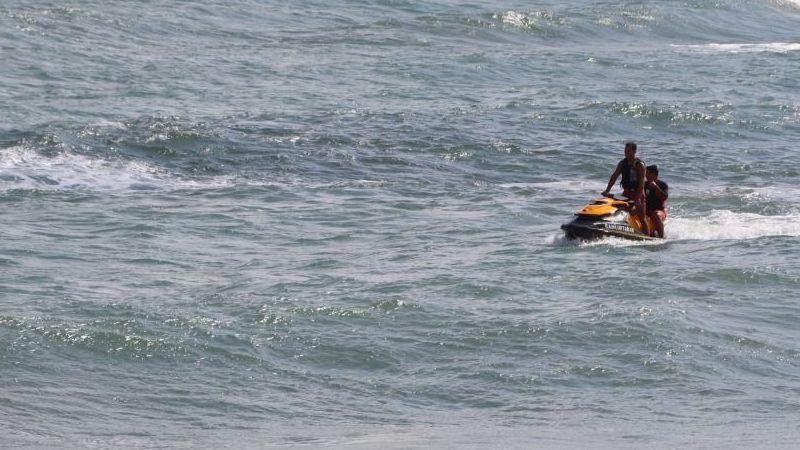 Kandıra'da denize girme yasağı uzatılırken, yasak olmayan plajlarda yasağa dahil edildi