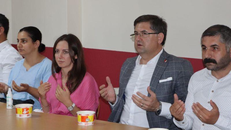 CHP Kocaeli Çayırova Musa Abdal Cemevi'nde Canlarla oruç açtı