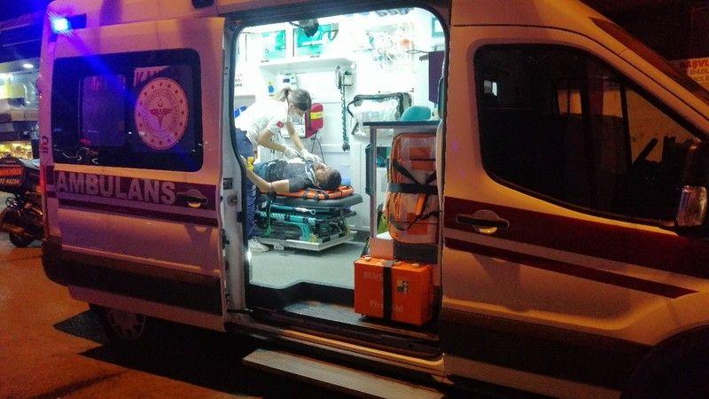 Motosikletli kurye yayaya çarptı: 2 yaralı