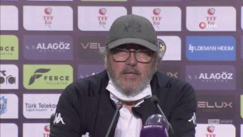 """Mustafa Reşit Akçay: """"Doğru oyunu ve saha duruşunu iyi çalışmamız gerekiyor"""""""