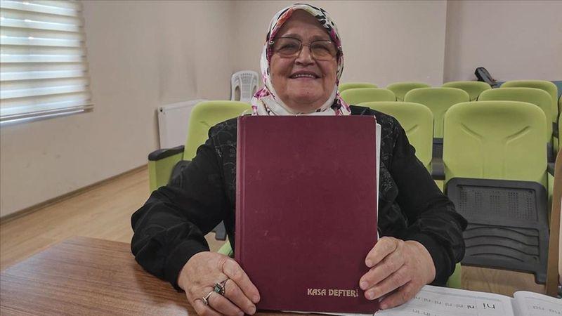 71 yaşında okuma yazma öğrendi hayatını kaleme aldı