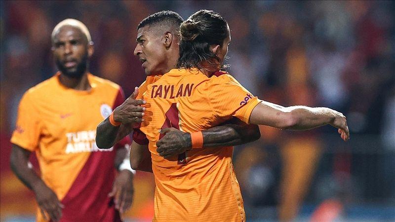 Galatasaray UEFA Avrupa Ligi'nde gruplara kaldı