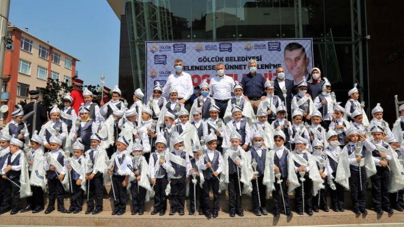Gölcük Belediyesi Geleneksel Sünnet Şöleni'nde 75 çocuk erkekliğe ilk adımlarını attılar