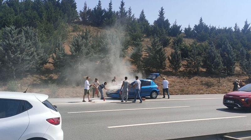 Anadolu Otoyolu'nda seyir halindeki araçta çıkan yangın söndürüldü