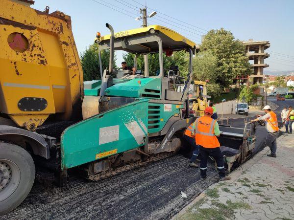 Gölcük Malazgirt Caddesi asfalt serimi tamamlandı
