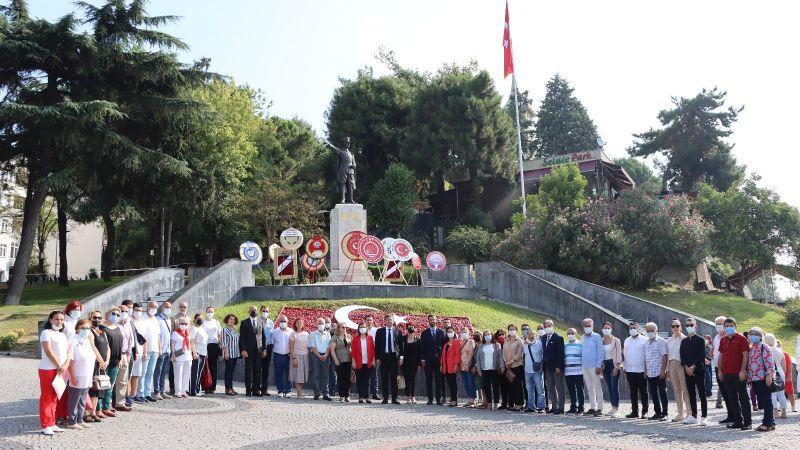 CHP Kocaeli İl Örgütü, 30 Ağustos Zafer Bayramı'nın 99. yılında Ata'nın huzuruna çıktı.
