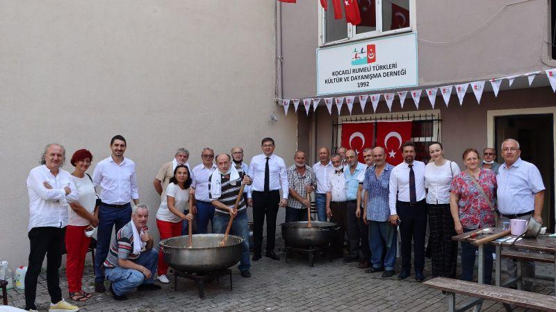 CHP ve Kocaeli Rumeli Türkleri Kültür ve Dayanışma Derneği Şehitlerimiz için helva kavurdu