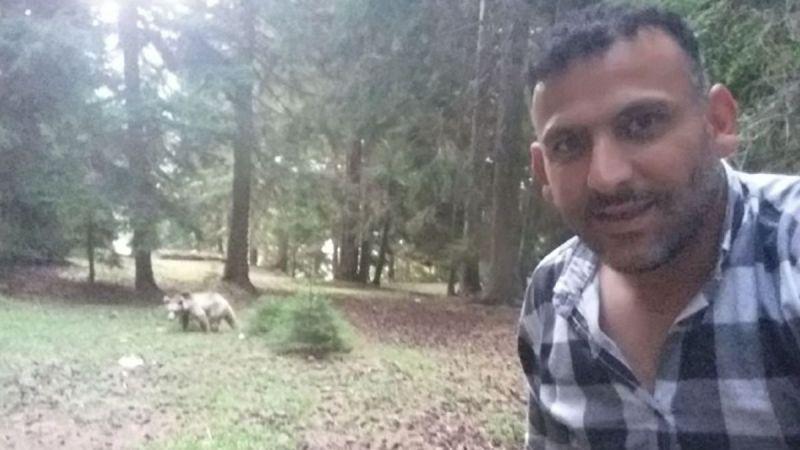 Artvinli taksi şoförü ormanda rastladığı ayı ile öz çekim yaptı sosyal medyayı salladı