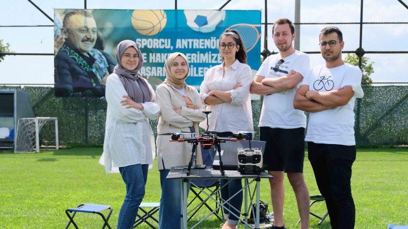 Başkan Büyükakın'dan teknoloji yarışındaki gençlere tam destek