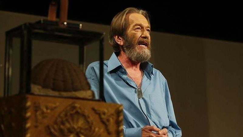 Yaşamı boyunca hiç durmayan kavuklu tiyatrocu: Ferhan Şensoy
