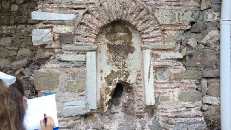 İzmit Belediyesi Tarihi Sokak Çeşmesi'ni yeniliyor