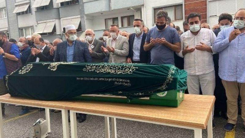 Koronaya yenilen doktora çalıştığı hastane önünde cenaze töreni