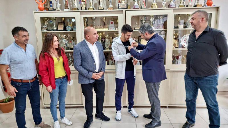 Gebze CHP'den olimpiyat Eray'a Altın