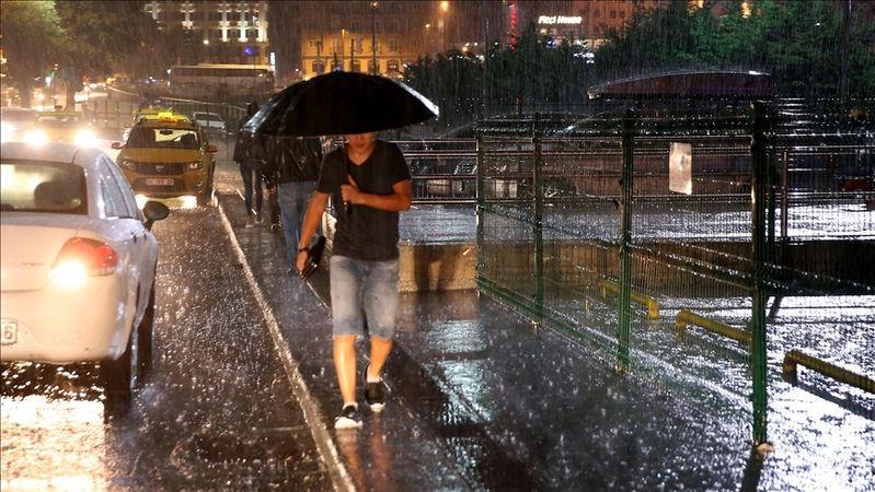 İstanbul'da kuvvetli sağanak etkili oluyor