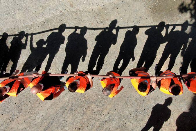 Yangın söndürme gönüllülerinden nefes kesen tatbikat