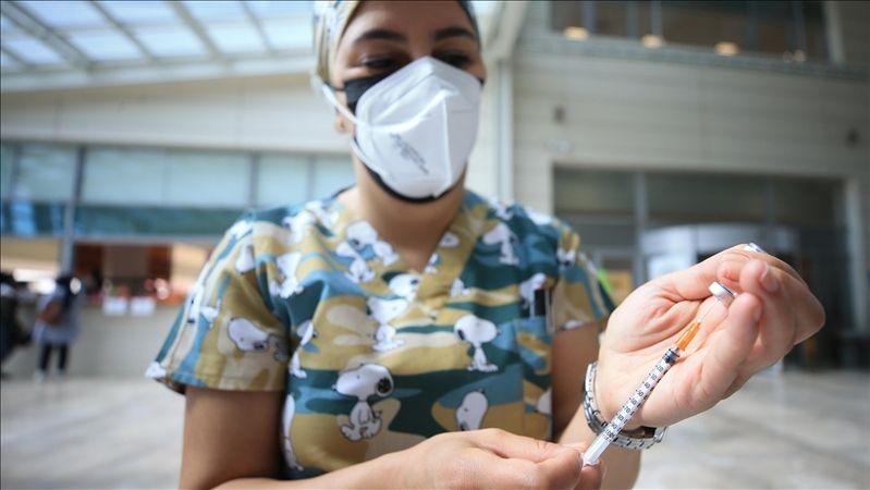 İki doz koronavirüs aşısı olanların oranı, 15 ilde yüzde 75'i geçti