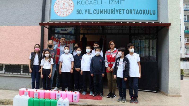 İzmit Belediyesi'nden okullara hijyen paketi desteği
