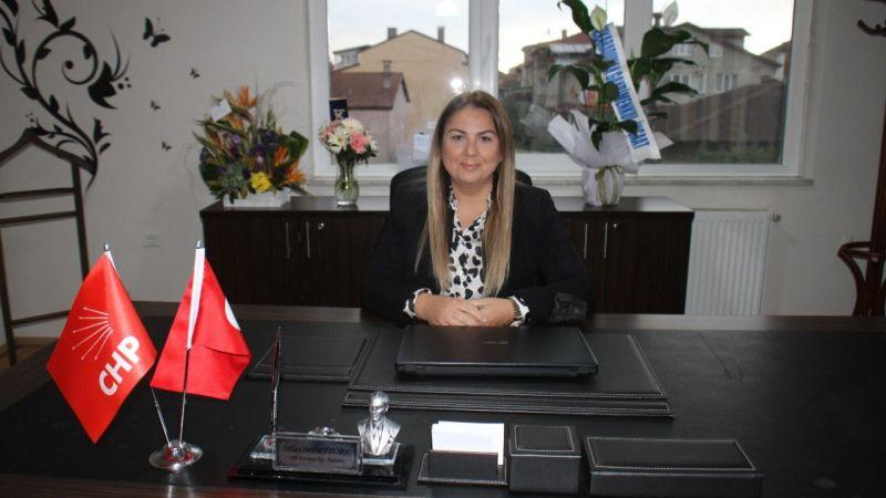 Kartepe'nin seçilmiş ilk kadın Başkanı Nilay Merttürk mazbatasını aldı