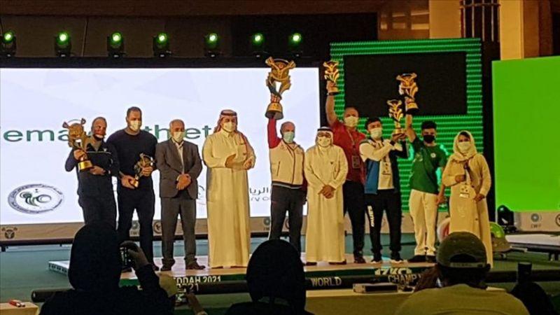 Milli halterciler Yıldızlar Dünya Şampiyonası'nda 22 madalya kazanarak tarihi başarıya ulaştı