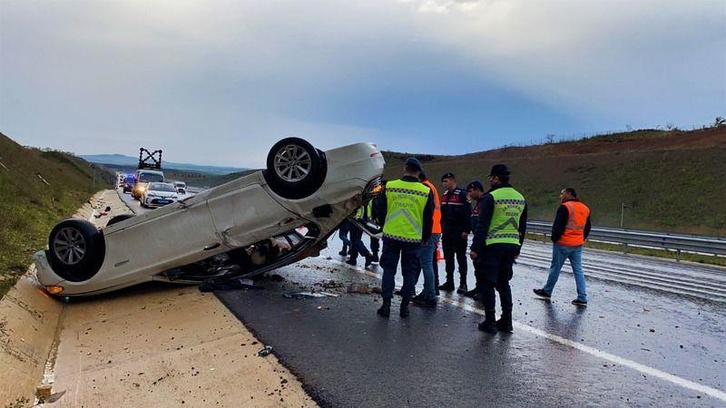 Kuzey Marmara Otoyolu'nda otomobil takla attı: 4 yaralı
