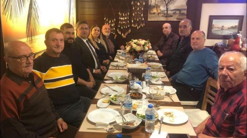CHP Kartepe bu fotoğrafla birlik beraberlik mesajı verdi