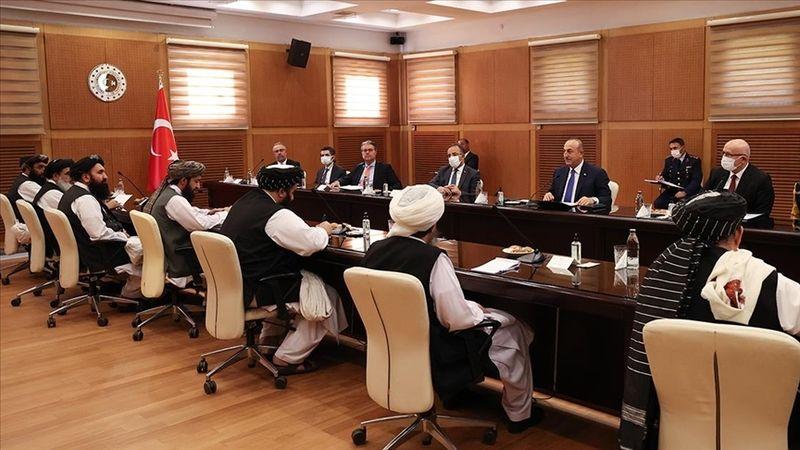 Çavuşoğlu: Taliban, özellikle insani yardımlar ile yatırımların devam etmesi konusunda ricada bulundu