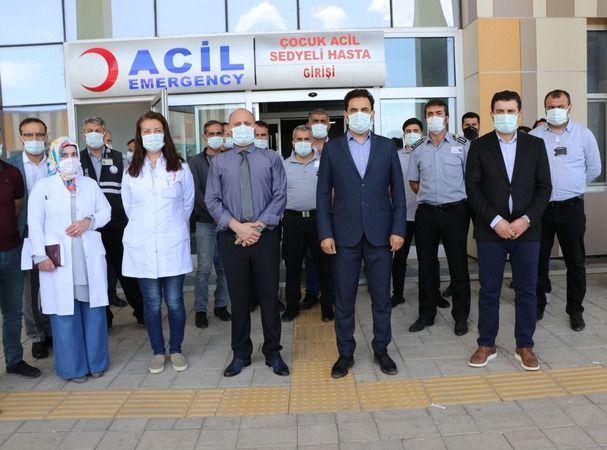 Hastanede 2 Doktor, 2 Güvenlik Görevlisi İle Polis ve Jandarmayı Darbetti
