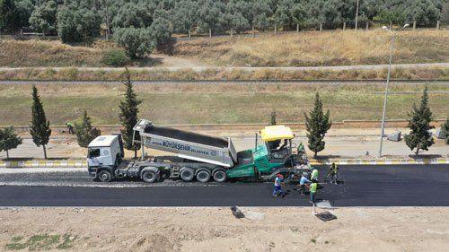 Aydın Büyükşehir Belediyesi Efeler'de Yol Yapım Çalışmalarını Sürdürüyor