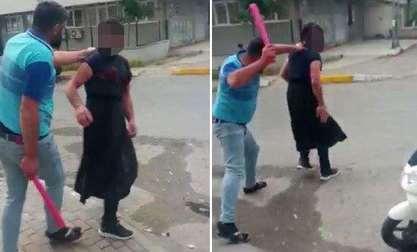 Eşini Taciz Eden Adama Kadın Kıyafeti Giydirip Sopayla Dövdü