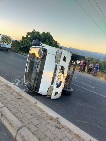 Sultanhisar'da Araç Sürücüsü Direksiyon Hakimiyetini Kaybetti; Yan Yatarak Durabildi