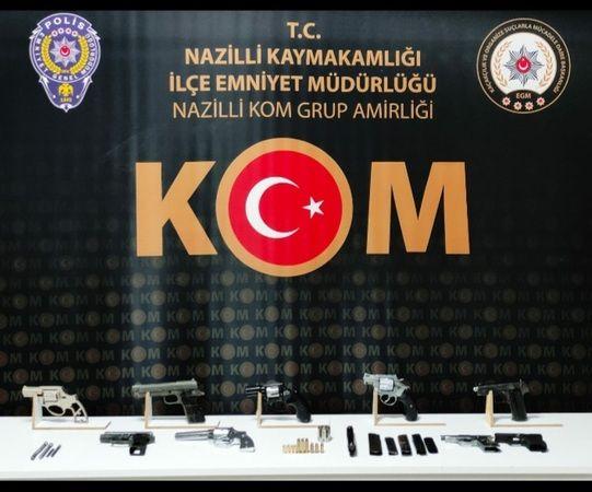 Nazilli'de Operasyon; Çok Sayıda Silah Ele Geçirildi