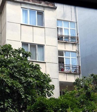 """2 Yaşındaki Kızını Pencereden Atıp Öldürdü! """"Cinler Söyledi, Yaptım"""""""
