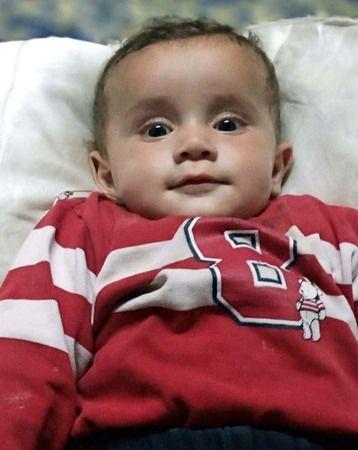 Annesi Emzirirken Nefessiz Kalan Bebek Hayatını Kaybetti