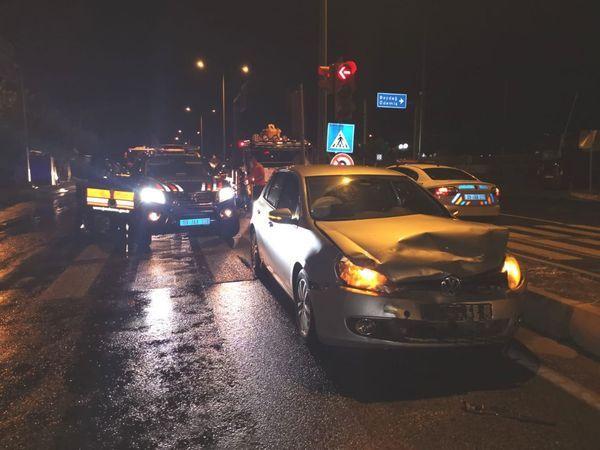 Nazilli'de Jandarma Ekipleri Otomobil İle Çarpıştı; Çok Sayıda Yaralı Var!