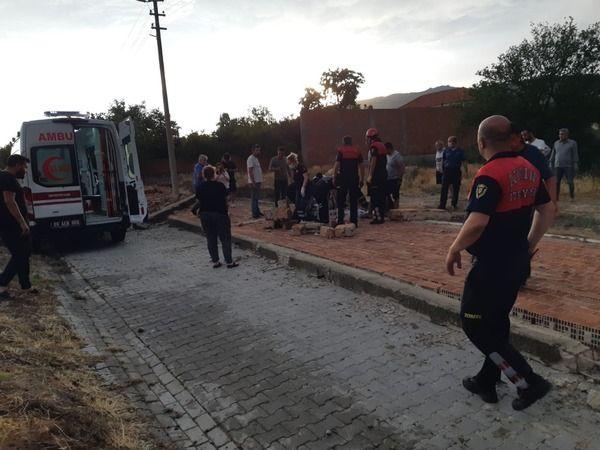Fırtınanın Yıktığı Duvarın Altında Kalan Kadın Hayatını Kaybetti