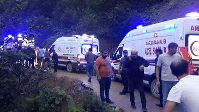 Yolcu Otobüsü Şarampole Devrildi; Kız Çocuğu Hayatını Kaybetti Çok Sayıda Yaralı Var !