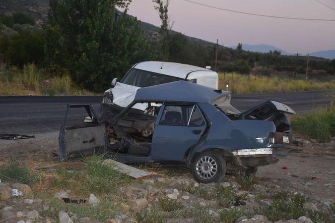 Karacasu'da Korkunç Kaza; 2 Ölü!