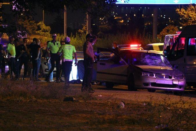 Otomobilden Zorla İndirilen Kadın, Başka Otomobilin Çarpmasıyla Öldü