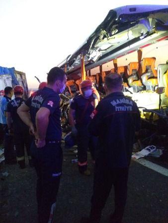 Katliam Gibi Kaza! Yolcu Otobüsü TIR'a Çarptı; 9 Ölü 30 Yaralı