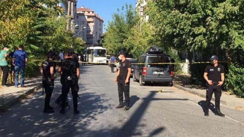Anne ve Oğlu Tartıştıkları Komşularını Bıçakladı; 1 Ölü 3 Yaralı