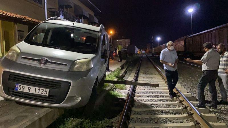 Alkollü Sürücü Tren İstasyonuna Daldı