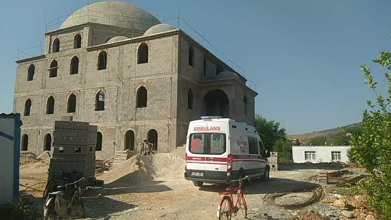 Cami İnşaatından Düşen Kalıp Ustası Hayatını Kaybetti