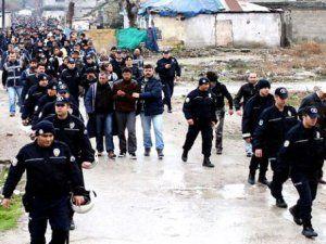 Adana'da 750 Polis İle Şafak Vakti Operasyonu