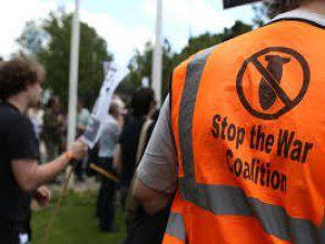 İngiltere'de Operasyon Kararına Protesto