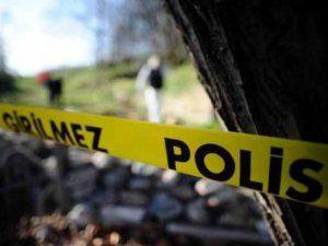 İzmir'de Kızlarının Kaçırıldığını İddia Eden Anne Baba 2 Kişiyi Yaraladı