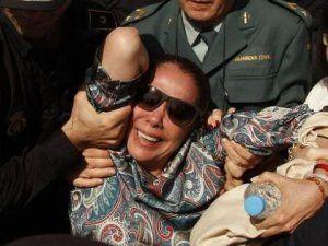 Ünlü İspanyol Şarkıcı Isabel Pantoja, Kara Para Aklama Suçundan Cezaevine Girdi